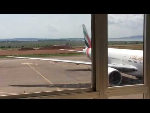 South African Airlines (SAA): Landing at Entebbe airport