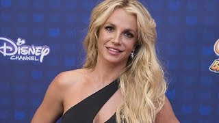 Britney Spears Receives First Icon Award at 2017 Radio Disney Music Awards