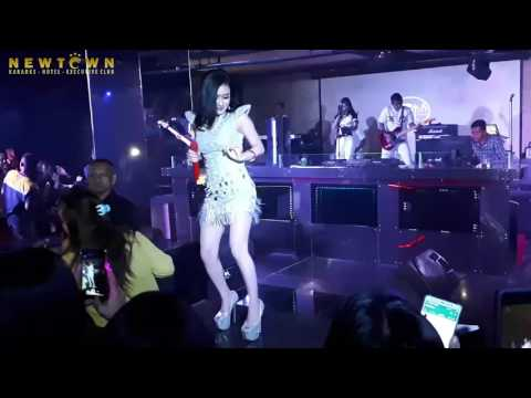 CITA CITATA    ROCKABYE  - MERIANG LIVE @Newtown Executive Club Jakarta