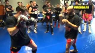Тайский бокс. Фут джеб против удара рукой