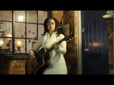 "Zara Burroughs - ""Listen"" (Addistock Sessions)"