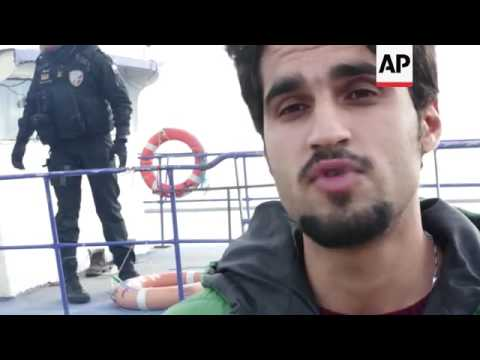 Migrants, refugees arrive on Lesbos