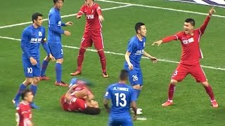 Axel Witsel stamped by Qin sheng  shanghai shenhua Carlos Tevez teammate