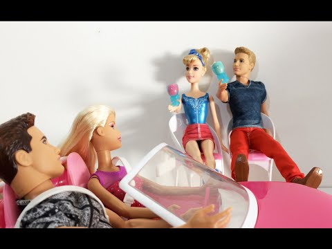 Barbie traindo ken barbie sendo fudida na balada em quanto estava destraida so levava na lomba o picapau sem doacute nem piedade metia a vara na sirigaita da barbie a gostosona do bailao vemprofut - 5 5