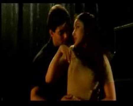 Hindi Song Bahon Ke Darmiyan Sung By Alka Yagnik & Hariharan