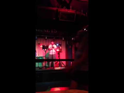 Karaoke Showstopper