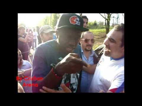 Muntari litiga con un tifoso a Milanello