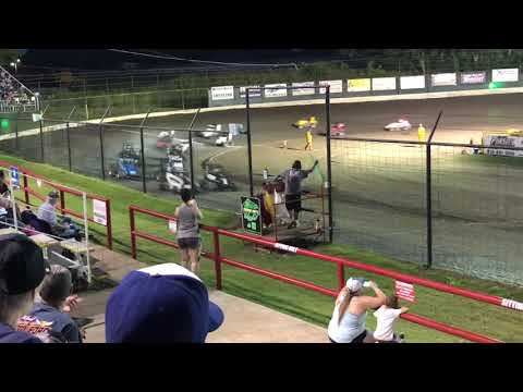 9 years old competing in the Jr. Sprint class. - dirt track racing video image