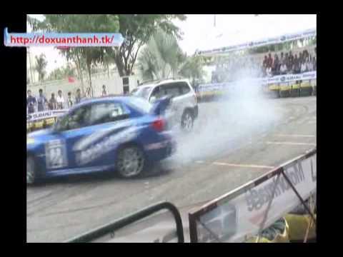 Biểu diễn xe hơi tại Sài gòn - skyskysky