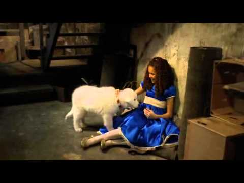 Madison Pettis singing in The Search for Santa Paws