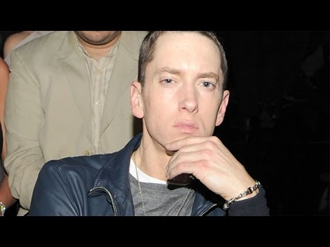Download Youtube: Eminem Looks Nearly Unrecognizable With a Beard and Dark Hair!