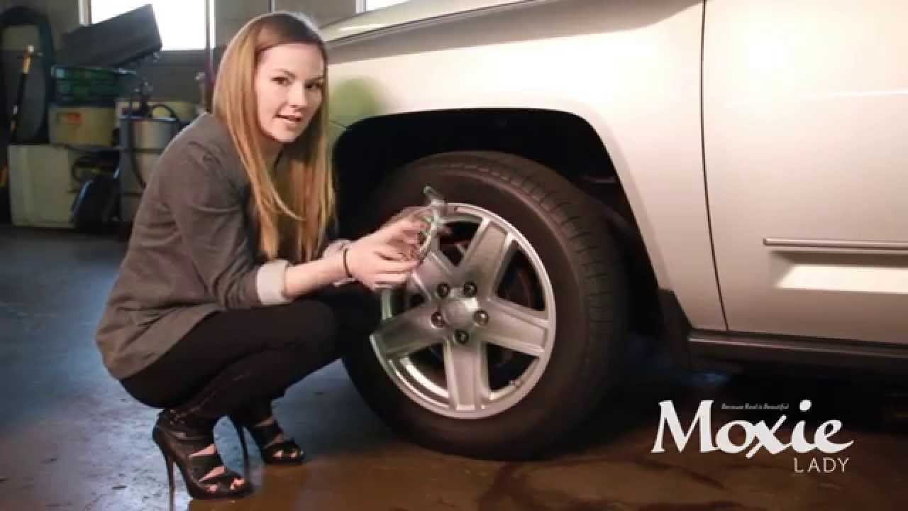Moxie Lady Dia Checking Tire Pressure Youtube
