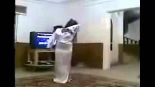رقص عراقي فى المنزل بلبس شفاف مثير جدا