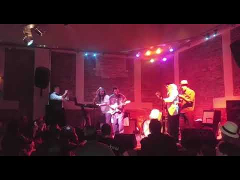 Club D e Blues Local La Plata-zappada con Anthony Big A Sherrod.......VID 20171126 WA0005