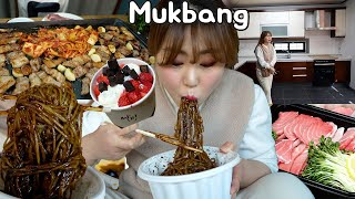 🏠 House tour and Mukbang! Black bean noodles, Jjambbong, Korean BBQ, Tuna Sashimi, etc.