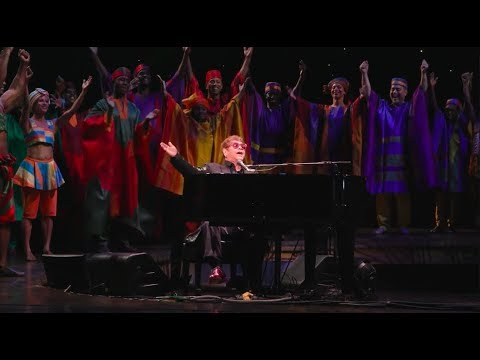 Elton Johns Surprise Performance at THE LION KING 20th Anniversary