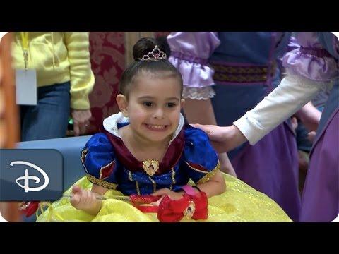 Disney Parks Moms Panel | Pretty as a Princess | Bibbidi Bobbidi Boutique