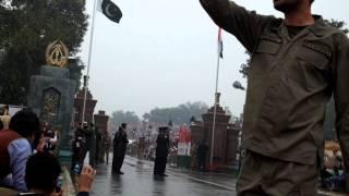 Ритуал закрытия Пакистано-Индийской границы в Wagah
