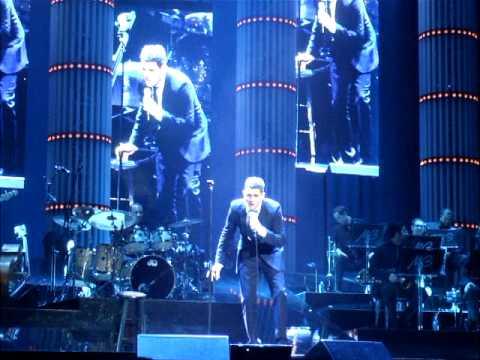 Michael Bublé - Billie Jean / Twist and Shout (Madison Square Garden)