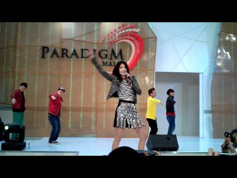 Kelly Chen 陈慧琳 Live at Malaysia Paradigm Mall on 27 May 2012 part 3