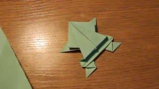 Лягушка из бумаги оригами.Frog out of paper origami