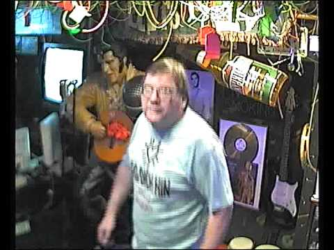 Martin singt  Der Eiermann  im Karaoke Fun Pub Stuttgart http://www.funpub.de