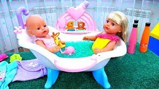Купаем Беби Бон и Сестричку - Играем в куклы Как мама - Видео игры для девочек