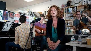 Hem: NPR Music Tiny Desk Concert