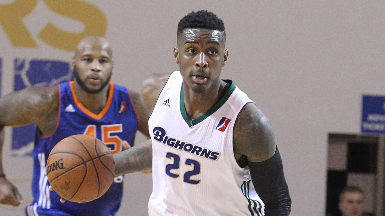 Quincy Miller stars at Showcase: 35 points (12/15 FG). 9 blocks. 8 rebounds in 27 minutes - YouTube