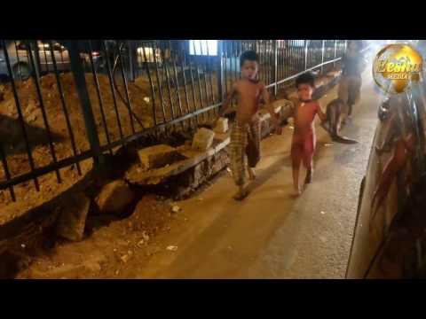 CHILD BEGGARS AT JUBILEEHILLS CHECK POST HYDERABAD VISWANAGARAM
