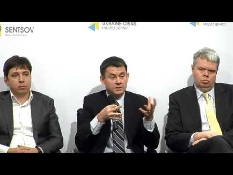 Does Ukraine need its own macroeconomic policy. UCMC-30-11-2015
