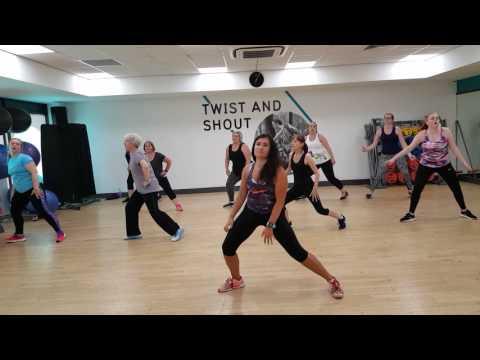 ZUMBA WITH MARTA Inner Circle- Sweat(A la la la long)