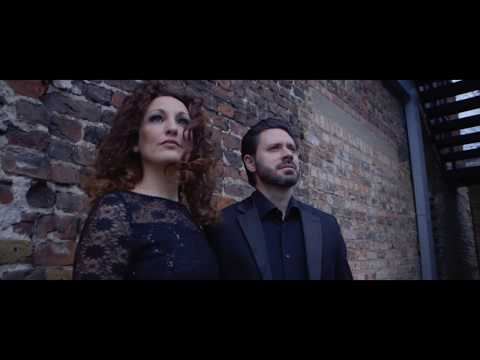 Mr & Mrs Cello - Nuvole Bianche (by Ludovico Einaudi) [Official Music Video]