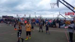 handles on this kid evand 12u basketball player