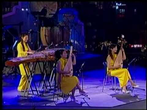 12 Girls Band -  Carnival (Live From Shanghai)