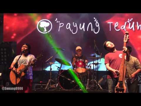 Payung Teduh - Menuju Senja @ Synchronize Fest 2016 [HD]
