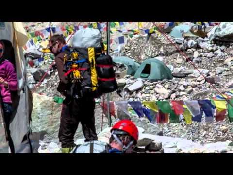 "Climbers create traffic jam in Everest's ""death zone"""