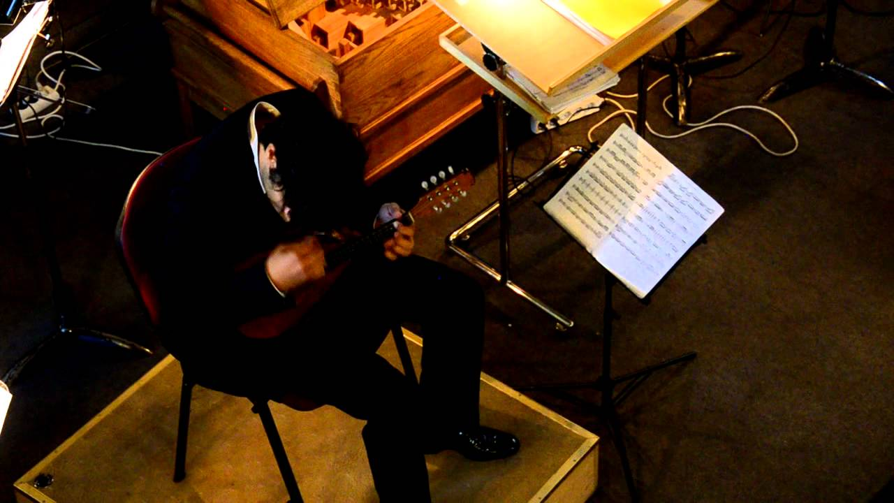 Avi Avital on mandolin - YouTube