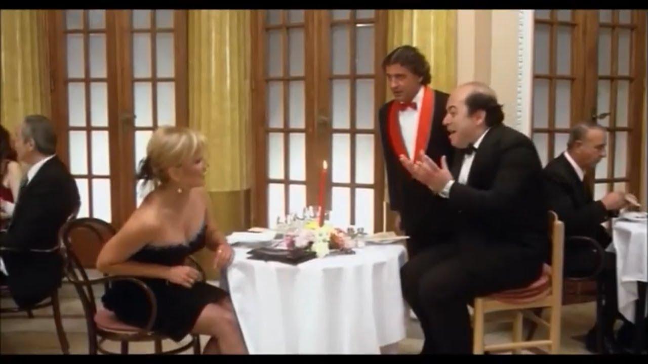 Lino Banfi-pappa e ciccia..al ristorante con la nipote Rosina