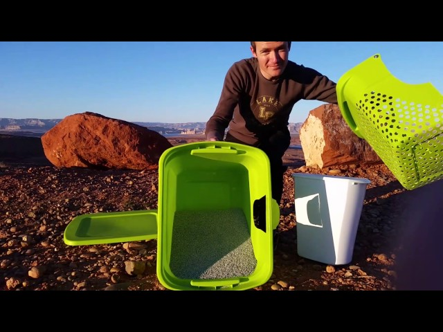 How to Make the Best Litter Box, tilt and sift Litter Cube.