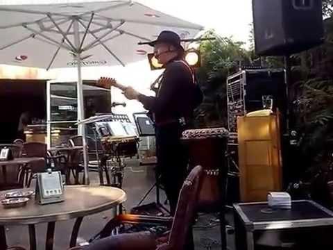 Rob Meyer zingt op vakantiepark de Hutteheugte