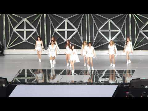 140815 SM TOWN Girls' Generation - Into The New World