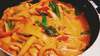 Making Panang Curry (not a recipe video)