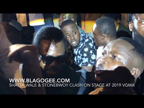 Shatta Wale Fight Stonebwoy On Stage At 2019 Vodafone Ghana Music Awards Mp3