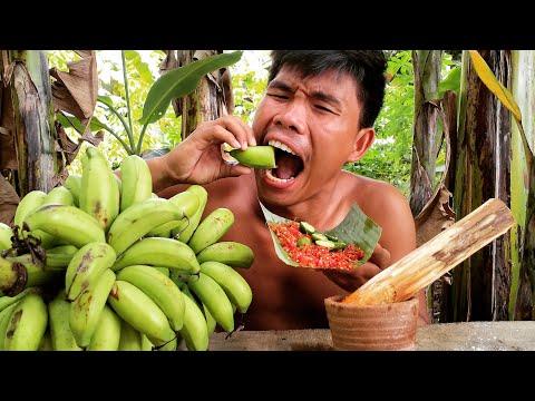 Eating Banana Green with spicy chili & lemon | Boy Tapang🍌🥵🌶️