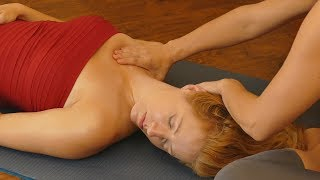 Give the Gift of Massage! How to Massage Neck & Shoulders with Chandler Rose