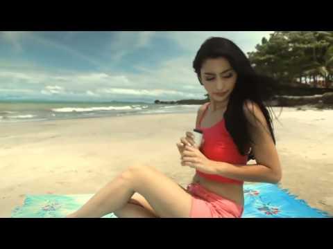 Video Iklan Axe Tyas Mirasih Yang HOT & Sexy! INDONESIA