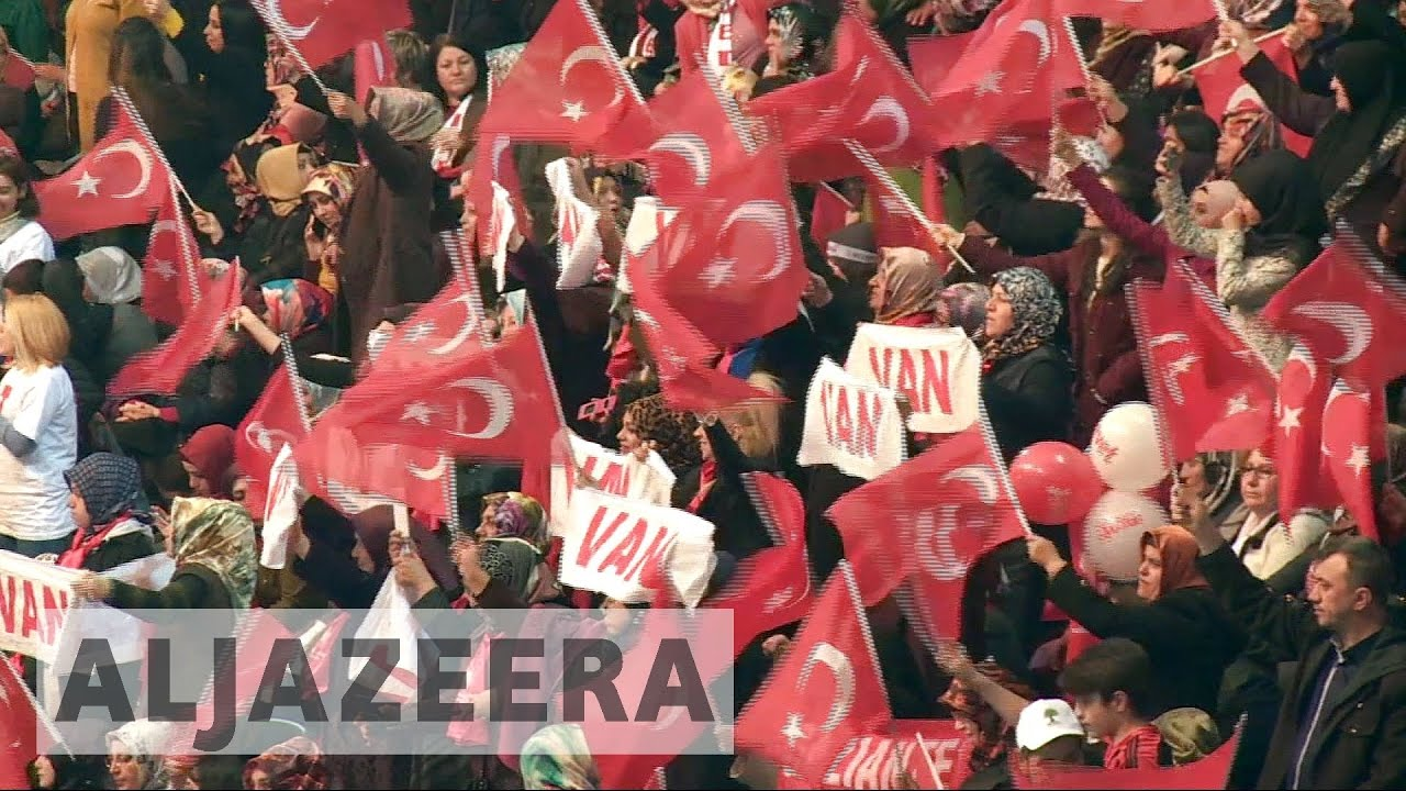 Turkey's ruling AKP begins push to amend constitution