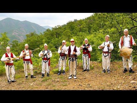 """Gjovalin Prroni  """"Në Qafë Valmirit Vajtojn Nanat"""" (Official Video 4K)"""
