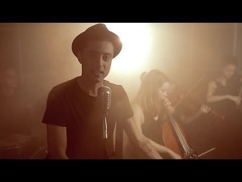 Emanuele Barbati - Settembre - Official Video - from YouTube · Duration:  3 minutes 32 seconds
